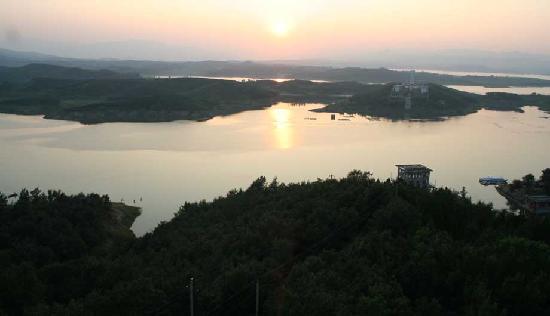 Photos of Zhaoping Lake